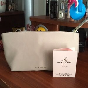 🆕✨Burberry Pouch/ Cosmetic Bag and Blush Set